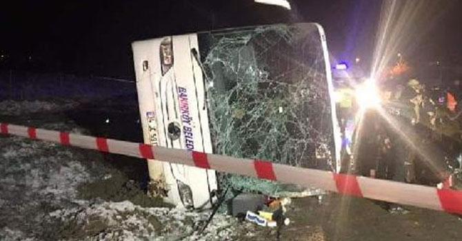 Cenaze dönüşü feci kaza: 2 ölü, 15 yaralı