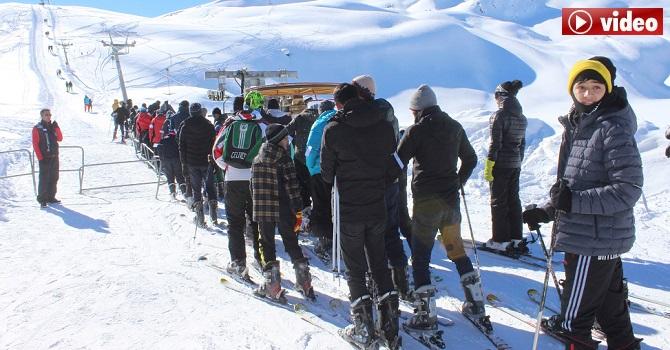 Hakkari Kayak Merkezinde Tatil Yoğunluğu FOTO-GALERİ