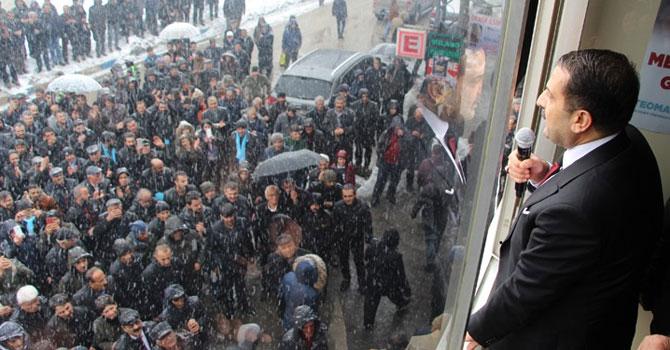 AK Parti Yüksekova'da seçim bürosu açtı!