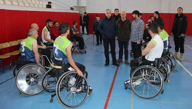 Vali Toprak, Engelli Sporcuları ziyaret etti