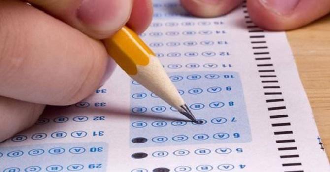 Hakkari'de Başkalarının yerine sınava giren 2 kişi'ye işlem yapıldı.
