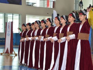 """Hakkari'de """"Okullar arası Halk Oyunları Yarışması""""FOTO GALERİ"""