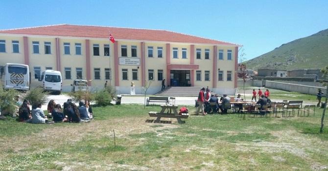 100 erkek lise öğrencisine cinsel istismar