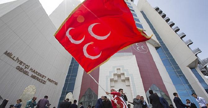 MHP'de hayırcılar ihraç ediliyor