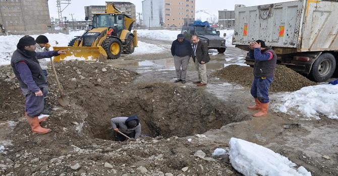 Yüksekova'da Hasar Gören Su Aspes Borusu Onarıldı