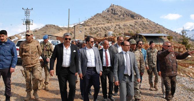 Ak Parti ve MHP il başkanlarının Çukurca ziyareti