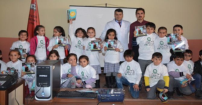 Hakkari'de Küçük Öğrencilere Hayvan Sevgisi Anlatıldı