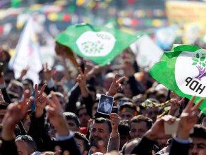 Muş'ta HDP ile AK Parti'nin oy ve yeniden sayım mücadelesi devam ediyor