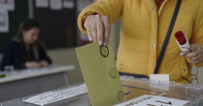 İstanbul Maltepe'de oy sayımına tekrar başlandı
