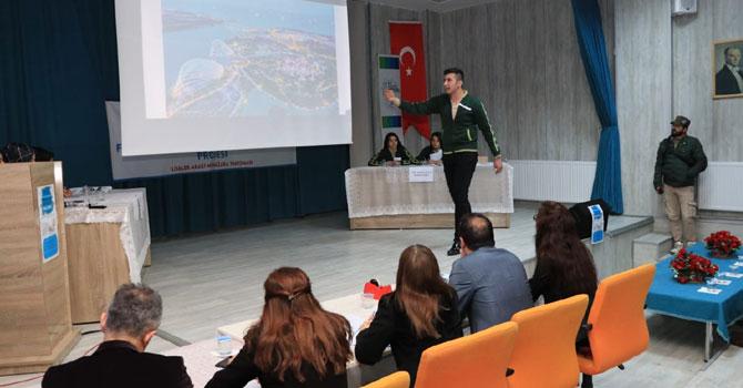 Hakkari'de münazara yarışması düzenlendi