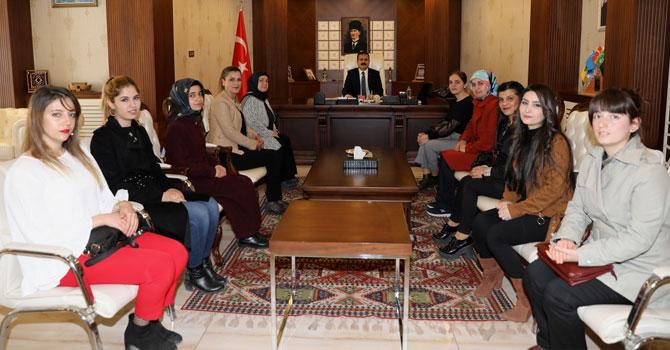 Halk Eğitim Merkezi personelinden Vali Akbıyık'a ziyaret