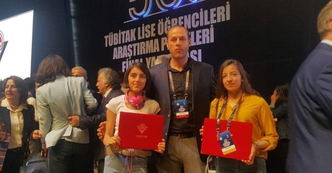 Yüksekovalı öğrencilere TÜBİTAK teşvik ödülü