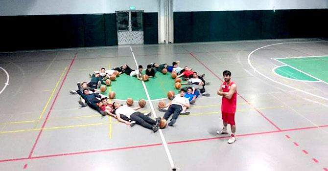 Spor Lisesi'nden Basketbol takımı 14 şubat mesajı verdi