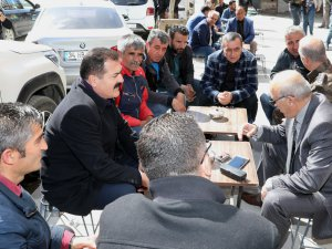 Vali Akbıyık, vatandaşlarla bir araya geldi