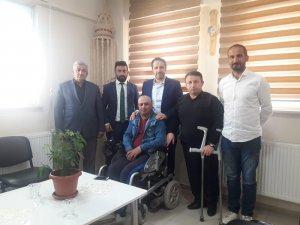 Ak Parti il başkanı Gür engellileri unutmadı