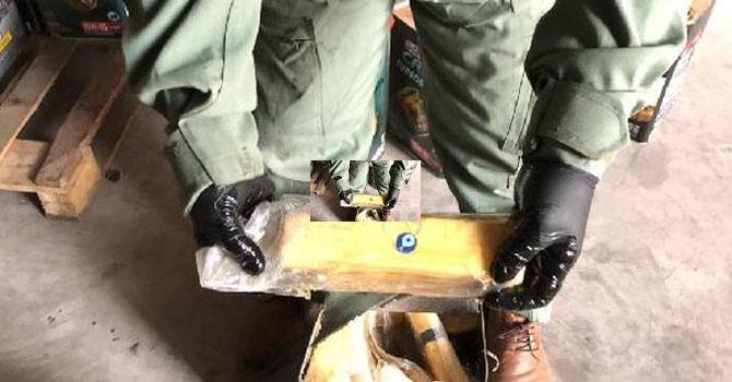 Kargodaki madeni yağ tenekelerinden 163 kilo eroin çıktı