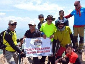 2 bin 400 rakımlı Bayrak Tepe'ye zirve tırmanışı