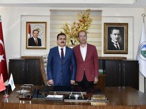 Vali Akbıyık Esendere belediyesini ziyaret etti