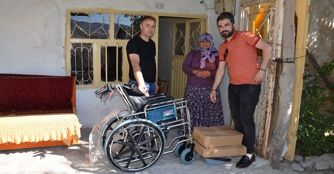 Hakkari'deki Engellilere tekerlekli sandalye desteği