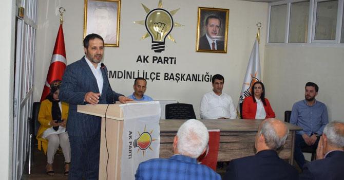 AK Parti Hakkari İl Başkanı Gür Şemdinli'de