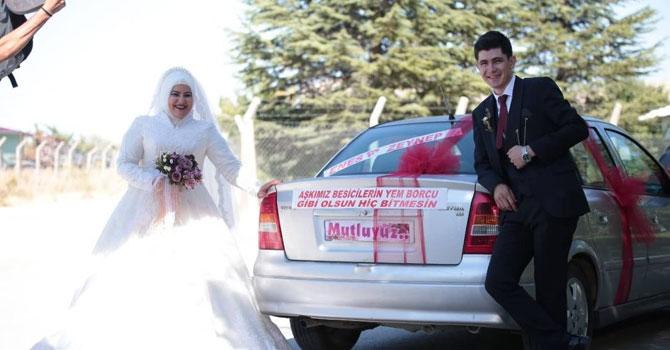 Kahramanmaraş'ta bir gelin arabası yazısı: Aşkımız besicilerin yem borcu gibi olsun, hiç bitmesin