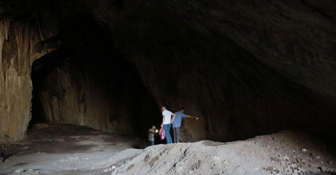 8 bin yıllık antik mağaralarda büyük tahribat: Kaçak kazılar, hafriyat ve çöp yığını