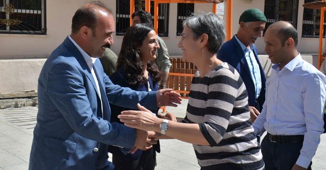 HDP'li Güven'den Hakkari Belediyesine ziyaret!