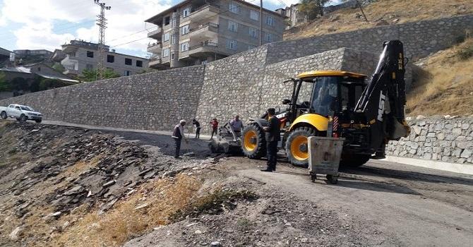 Hakkari'de mahalle yolları onarılıyor