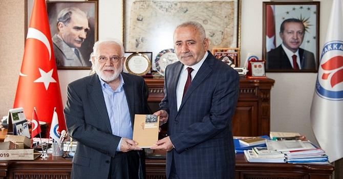Rektör Pakiş ve Prof. Dr. Sırma ile söyleşi