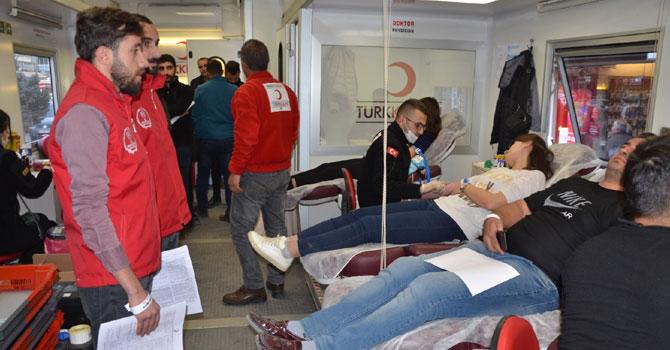 Hakkari'de kan bağış kampanyası başlatıldı