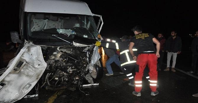 Yüksekova'da trafik kazası: 7 yaralı