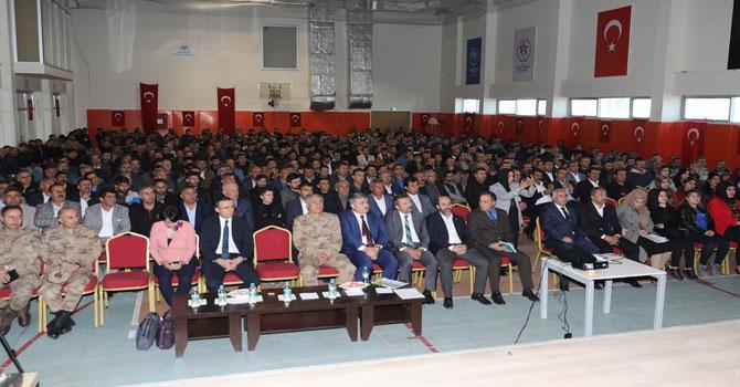 Hakkari'de güvenlik korucularına seminer verildi