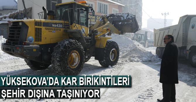 Kaldırımlardaki Kar Birikintileri Şehir dışına Taşınıyor