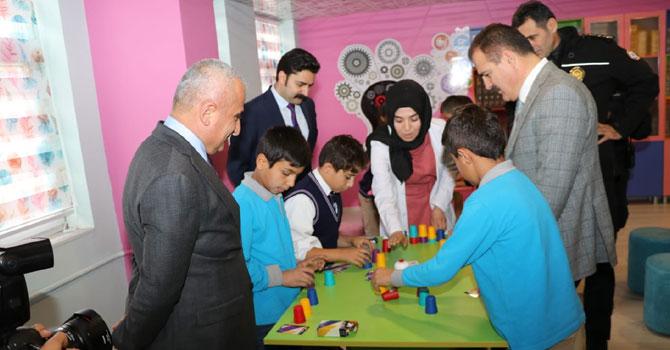 Hakkari'de 72 Bilişim ve Üretim Atölyesi açıldı
