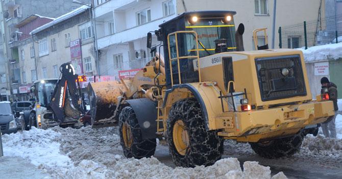Hakkari ve ilçelerinde karla mücadele çalışması