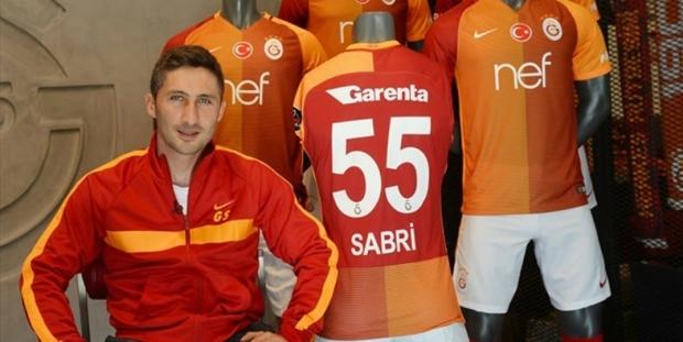 Sabri Sarıoğlu: 15 kez kupa kaldırdım, hep kötülerde varım da şampiyonluklarda yok muyum?