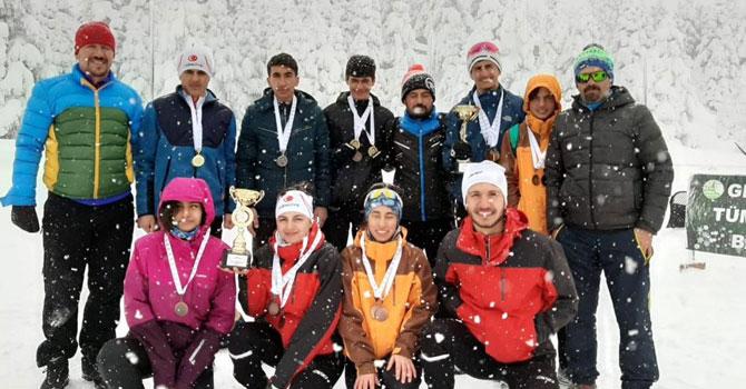 Hakkarili sporcular Türkiye şampiyonasından dereceyle döndüler