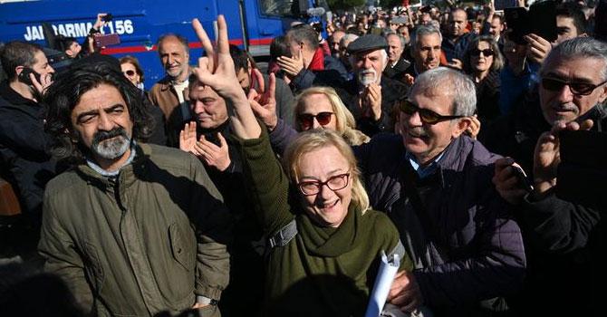 Gezi davasında sanıklara beraat ve tahliye