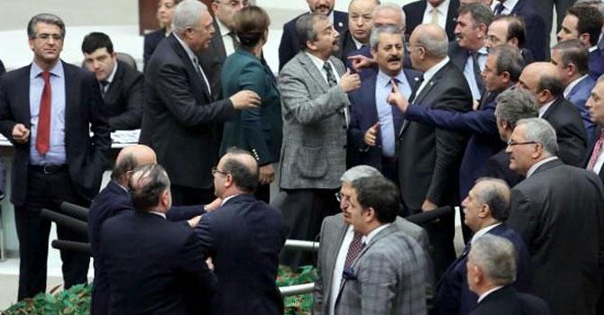 TBMM'de gerginlik: HDP'li Paylan'a ceza!