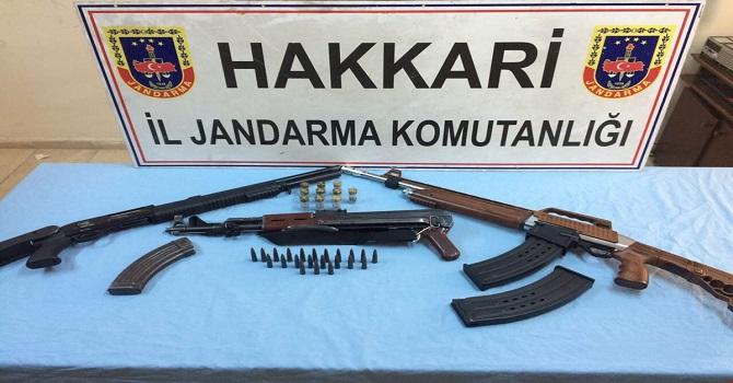 Yüksekova'da 3 Gözaltı