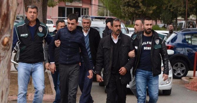 Van'dan Adana'ya götürürken yakalandılar!