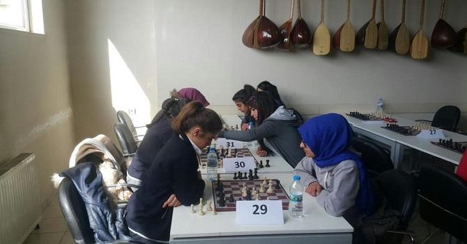 Hakkari'de 'Okullar arası satranç turnuvası il birinciliği yarışması' sonuçlandı