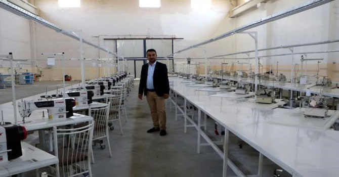 Yüksekova'ya 350 kişinin istihdam edileceği tekstil atölyesi kurdu