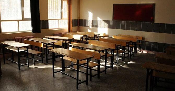 Bilim Kurulu Üyesi Yamanel: 2 veya 3 vardiyalı eğitim gelebilir