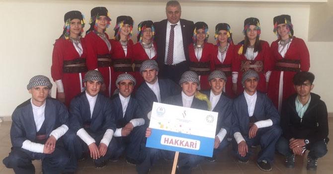 Hakkari Halk oyunlarında Mardin'i salladı