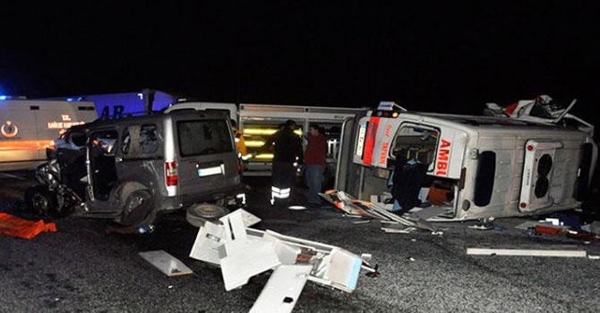 Van-Bitlis Karayolunda feci Kaza: 4 ölü 1 yaralı