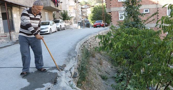 Hakkari'de 18 yıldır bitmeyen duvar çilesi!