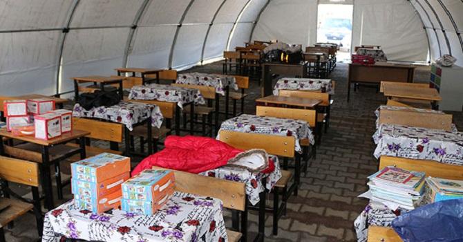 Öğrenciler 40 çadırda eğitim görecek