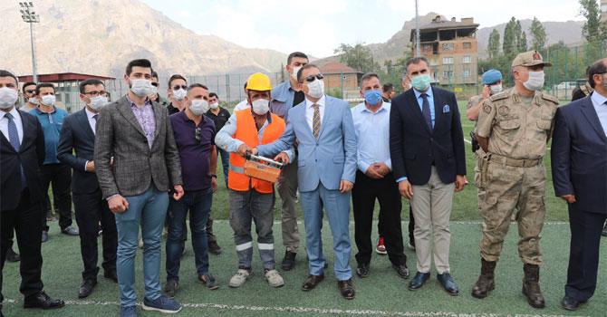 Hakkari'de bin kişilik tribün yapımına başlandı