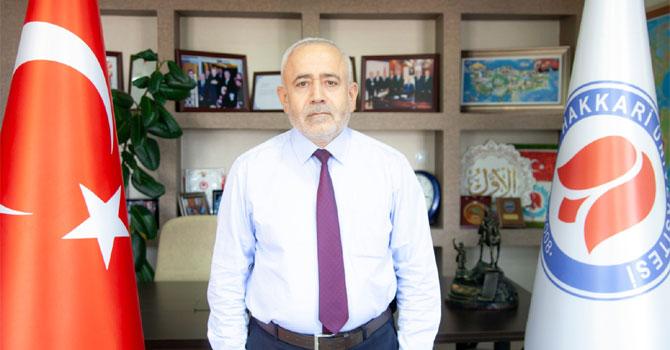 Hakkari Üniversitesi Rektörü Ömer Pakiş'in bayram mesajı